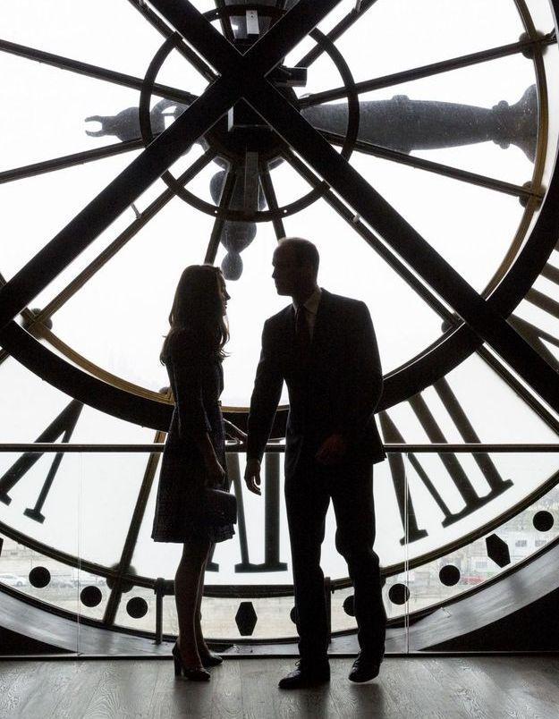 Devant la célèbre horloge du musée d'Orsay