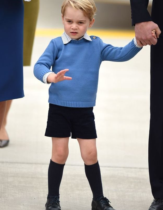 Le prince George sur le tarmac