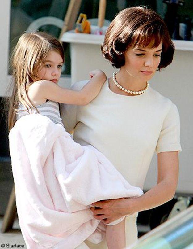 Katie Holmes troublante en Jackie O. !
