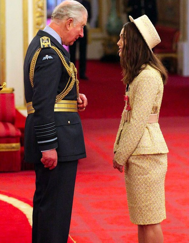 Keira Knightley et le prince Charles à Buckingham palace