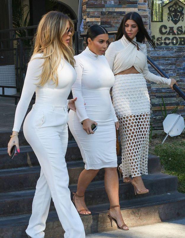 Kim Kardashian et ses sœurs se prennent pour les Spice Girls en photo