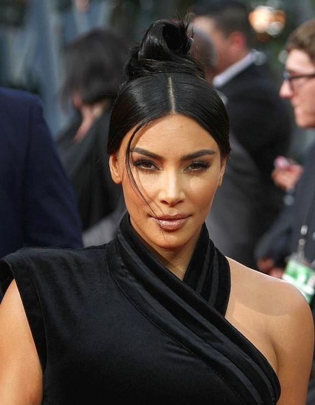 Kim Kardashian méconnaissable : elle partage une très vieille photo d'elle et Kourtney !