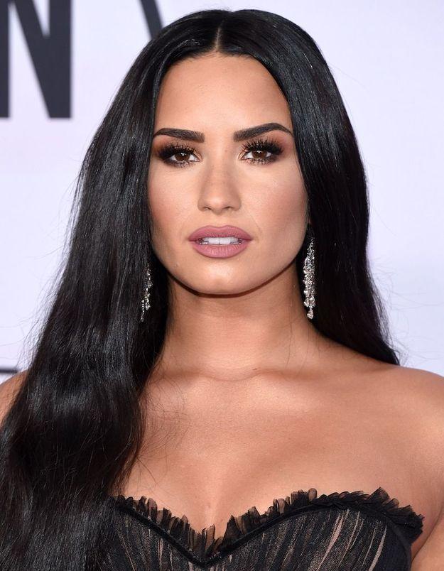 La chanteuse Demi Lovato hospitalisée en urgence après une overdose