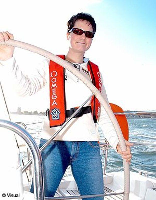 La navigatrice Ellen Mac Arthur arrête la voile