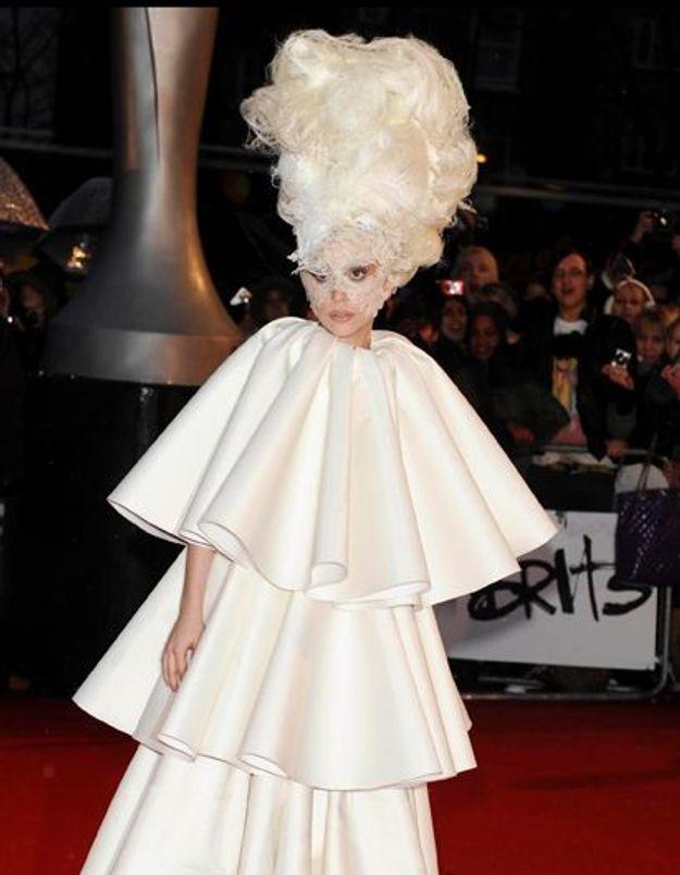 Lady Gaga : elle frappe un photographe pendant un shooting !