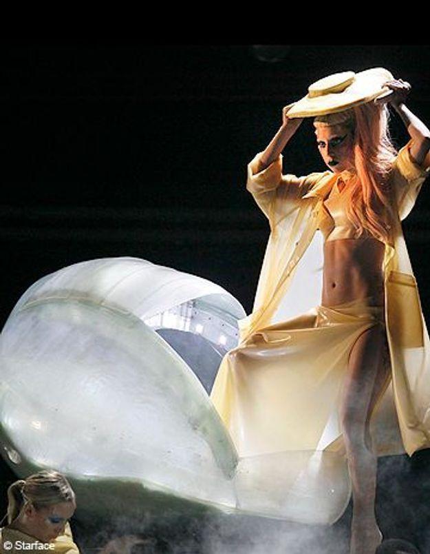Lady Gaga provoque l'euphorie aux Grammys