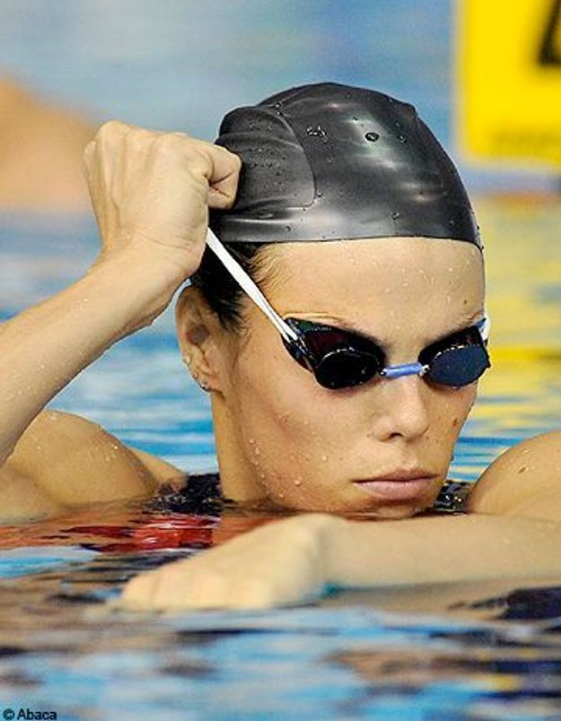 Laure Manaudou privée de compétition jusqu'en juillet 2011