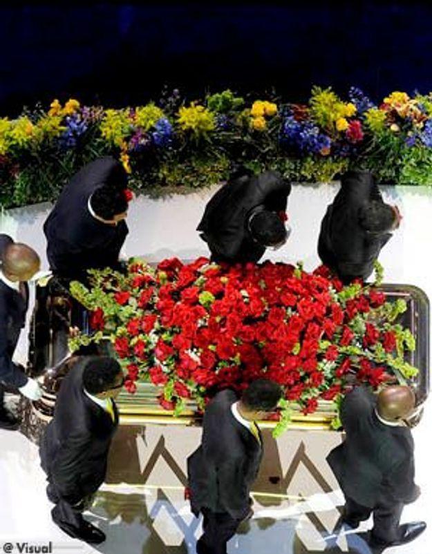 Le corps de Michael Jackson criblé de piqûres d'aiguilles