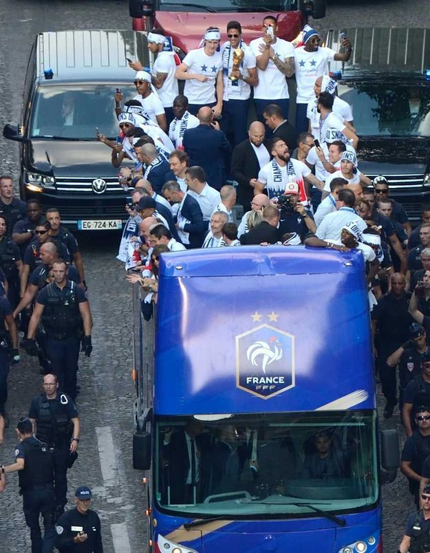 La descente des Champs-Elysées