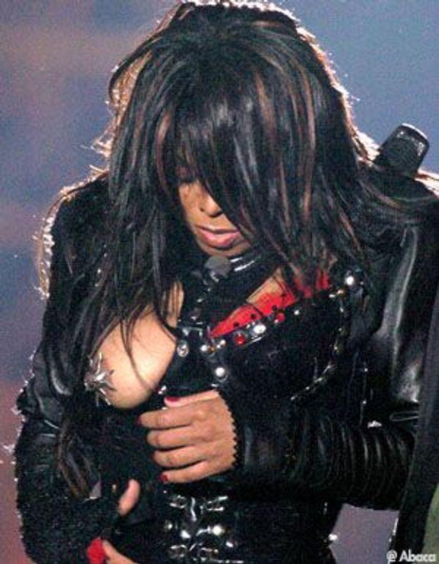 Le sein nu de Janet Jackson encore sous les projecteurs