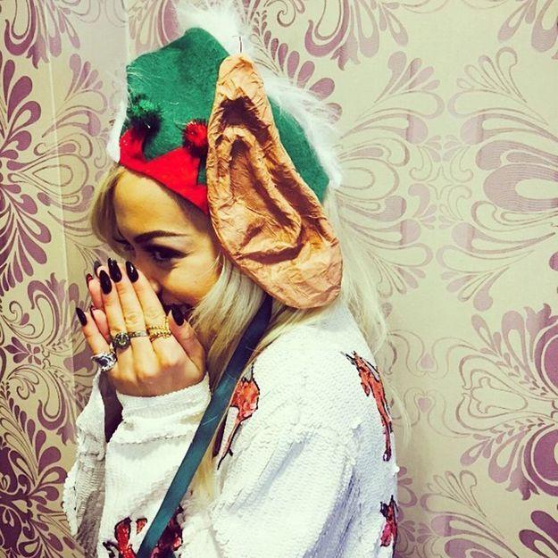Le pull de Noël de Rita Ora