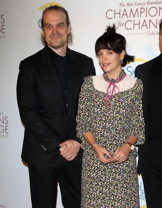 Lily Allen et David Harbour : ils officialisent (enfin) leur couple sur tapis rouge