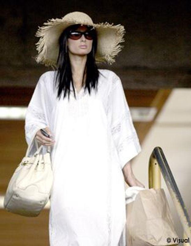 Look du jour : Paris Hilton brune !