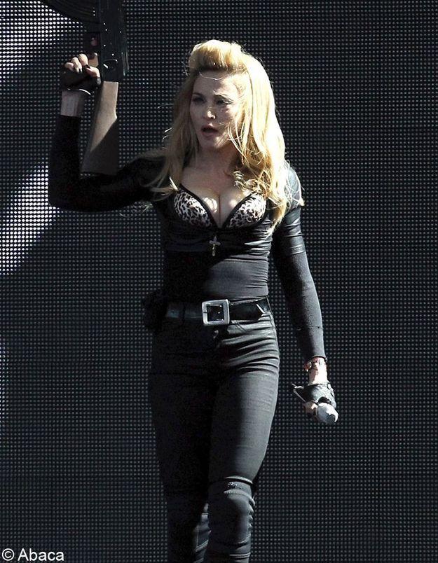 Madonna : Pourquoi a-t-elle associé Marine Le Pen à la croix gammée ?