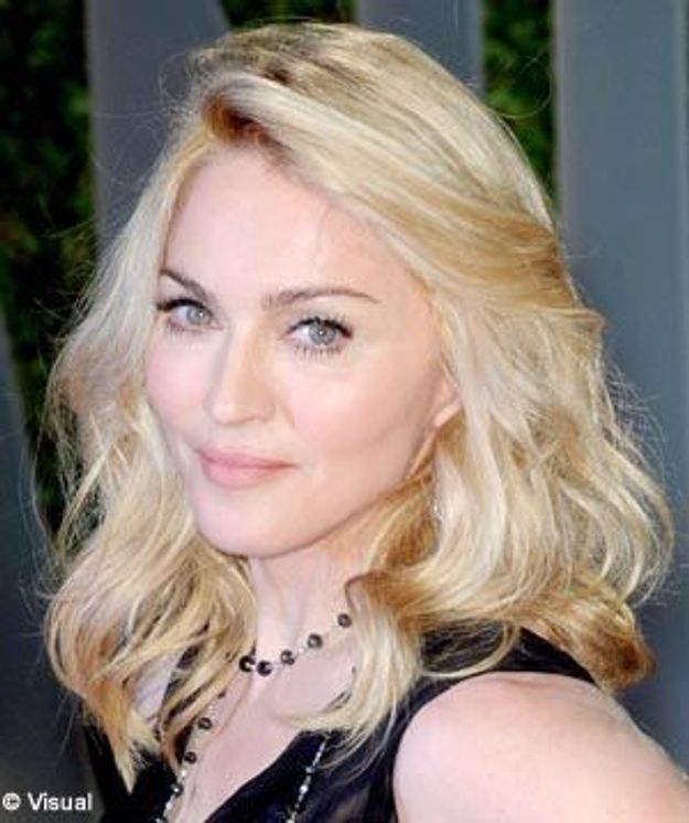 Madonna vole au secours de Sienna Miller