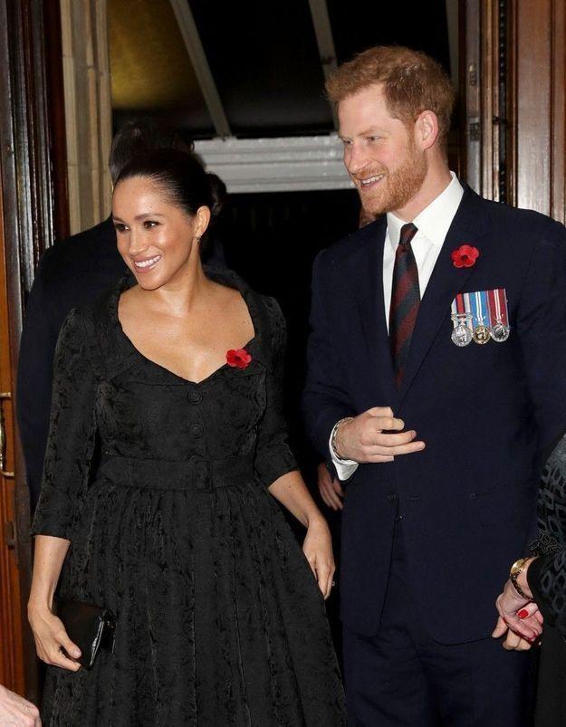 Meghan Markle et le prince Harry : la reine prend une décision radicale à cause du couple