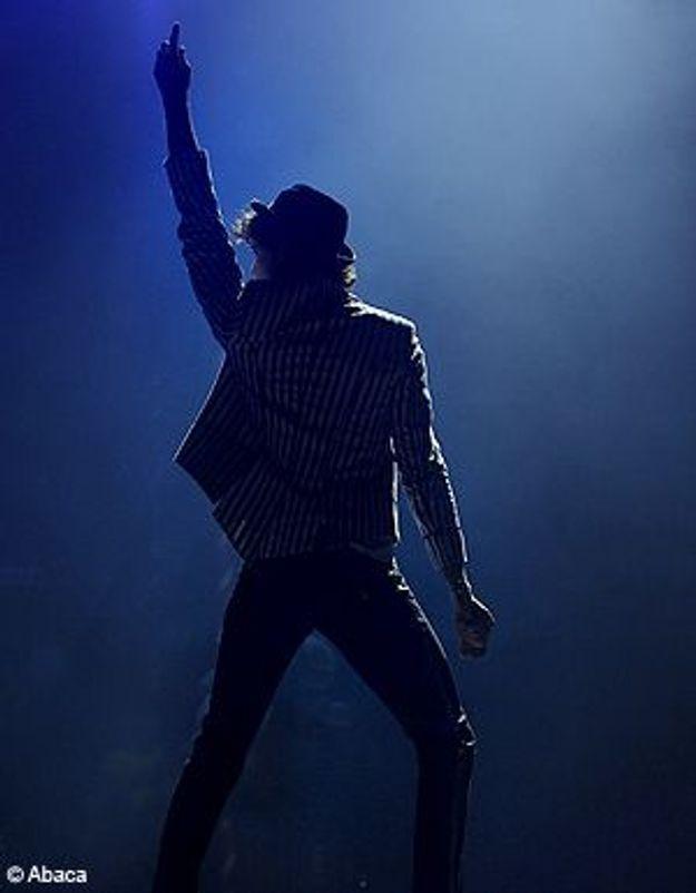 Mika hérite des chaussures de Michael Jackson !