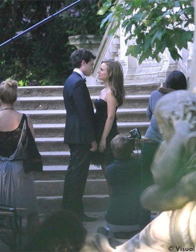Natalie Portman et Alden Ehrenreich s'embrassent pour Dior
