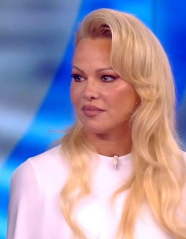 """Pamela Anderson se confie enfin sur l'infidélité d'Adil Rami : """"Je le savais depuis le début"""""""