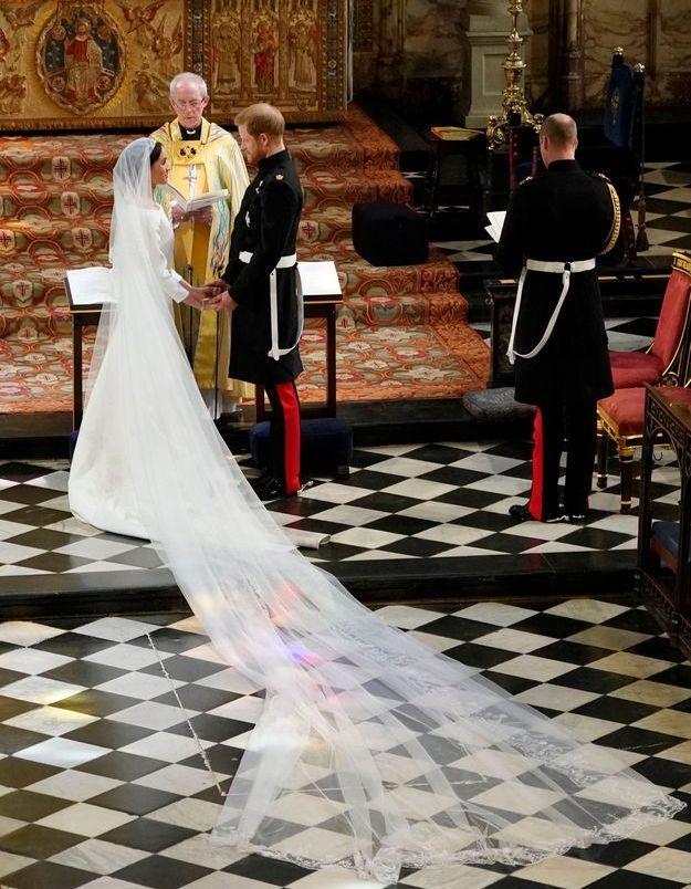 Les mariés dans la chapelle Saint-Georges