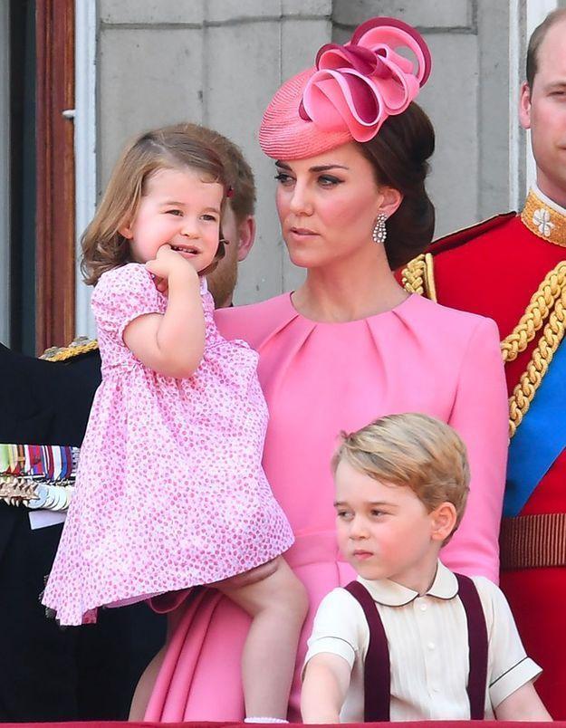 Pourquoi la robe rose de Kate Middleton a créé un scandale ?