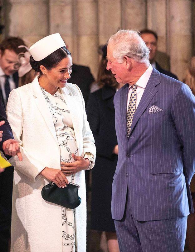 Pourquoi Meghan Markle a-t-elle fait la révérence au prince Charles pour la première fois cette semaine ?