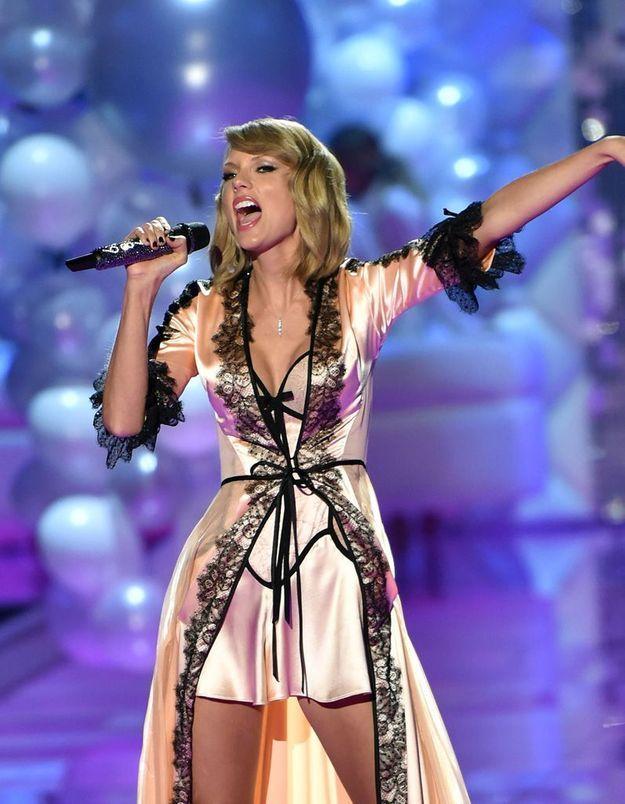 Elle a chanté de nouveau pour Victoria's Secret