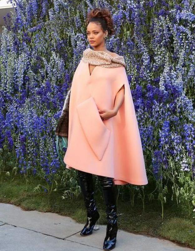 #PrêtàLiker : Rihanna radieuse au défilé Dior à Paris