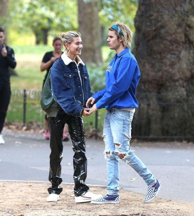 Dans Hyde Park, Justin Bieber et Hailey Baldwin profitent d'une balade romantique