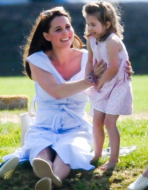 Quand Kate Middleton et la princesse Charlotte vont dans un pub londonien !