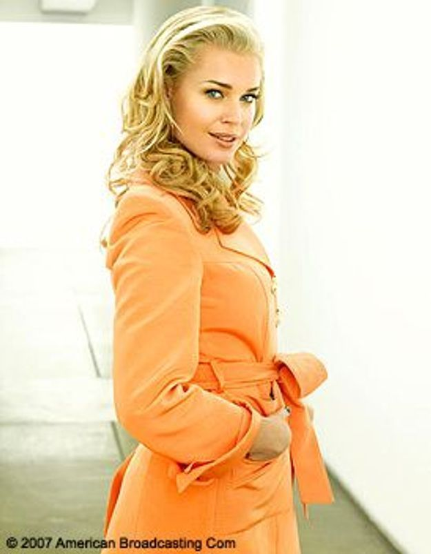 Rebecca Romijn attend des jumeaux !