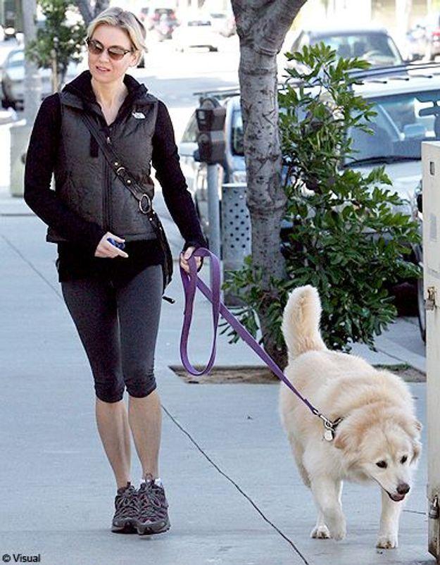 Avec elle leur chienne