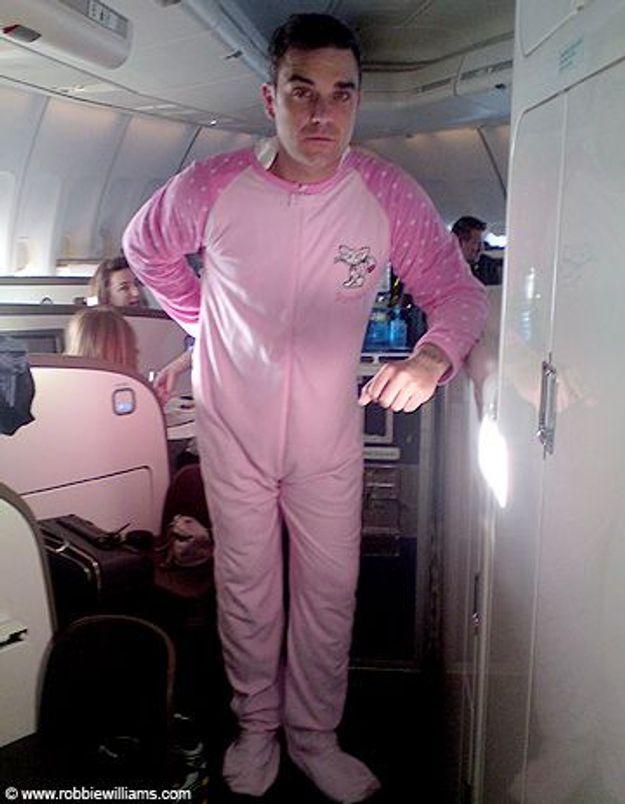 Robbie Williams : pas très sexy en grenouillère rose…