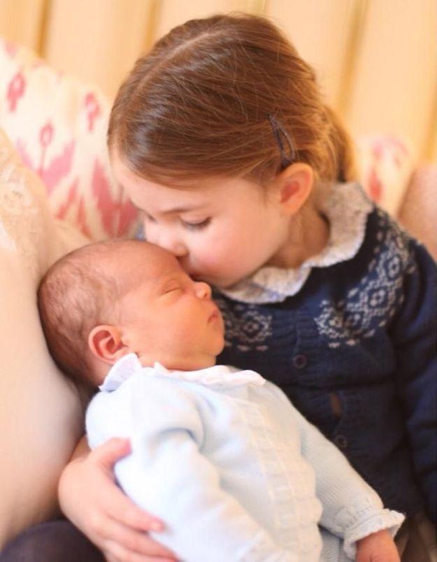 Royal Baby : ce détail sur la première photo officielle du prince Louis vous a sans doute échappé
