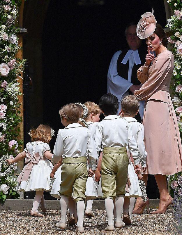 Avec tous les enfants d'honneur, c'est Kate Middleton aux commandes !