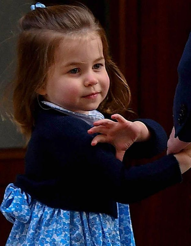 Ce sera l'occasion pour Charlotte de pratiquer son salut royal à nouveau !