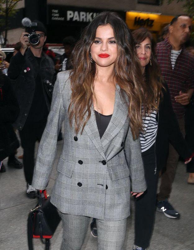 Selena Gomez affiche fièrement sa cicatrice de greffe de rein sur Instagram