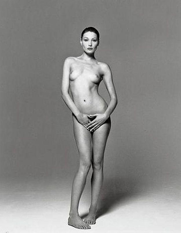 Une photo de Carla Bruni nue aux enchères à Paris