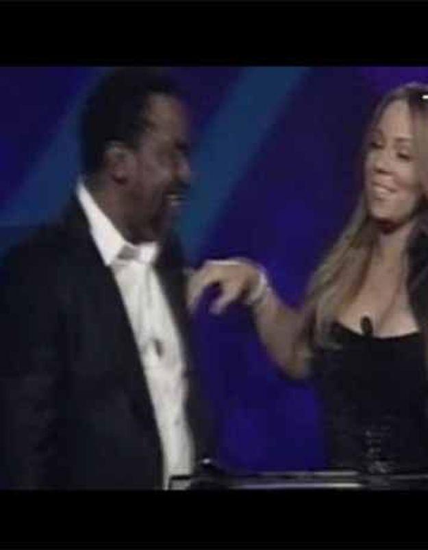 Vidéo : Mariah Carey reçoit un prix…ivre!