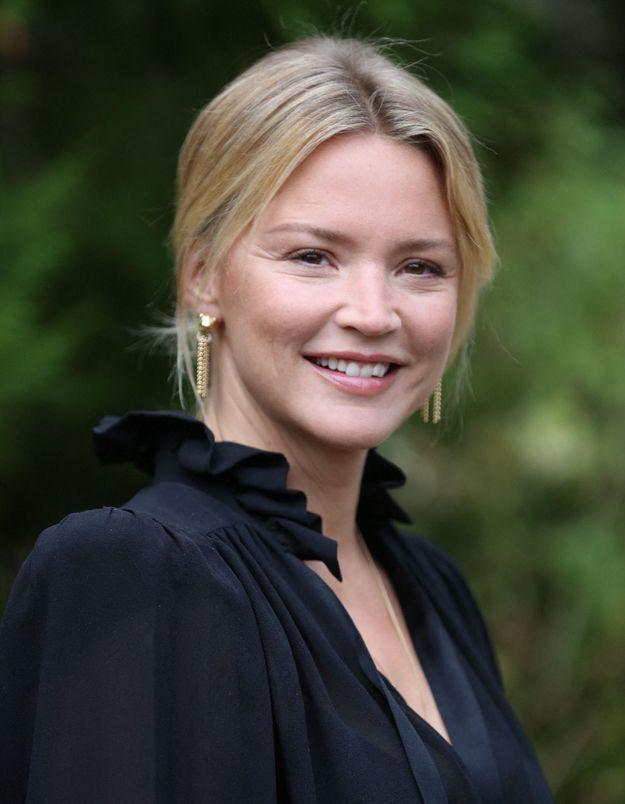 Virginie Efira : elle se confie sur le confinement en couple avec Niels Schneider