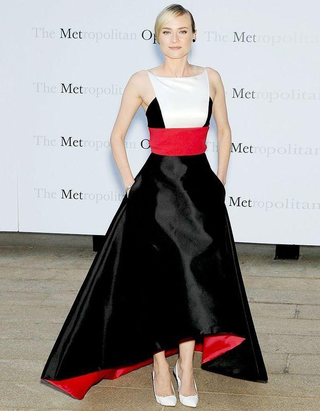 Le look du jour : Diane Kruger brille en solo à l'opéra