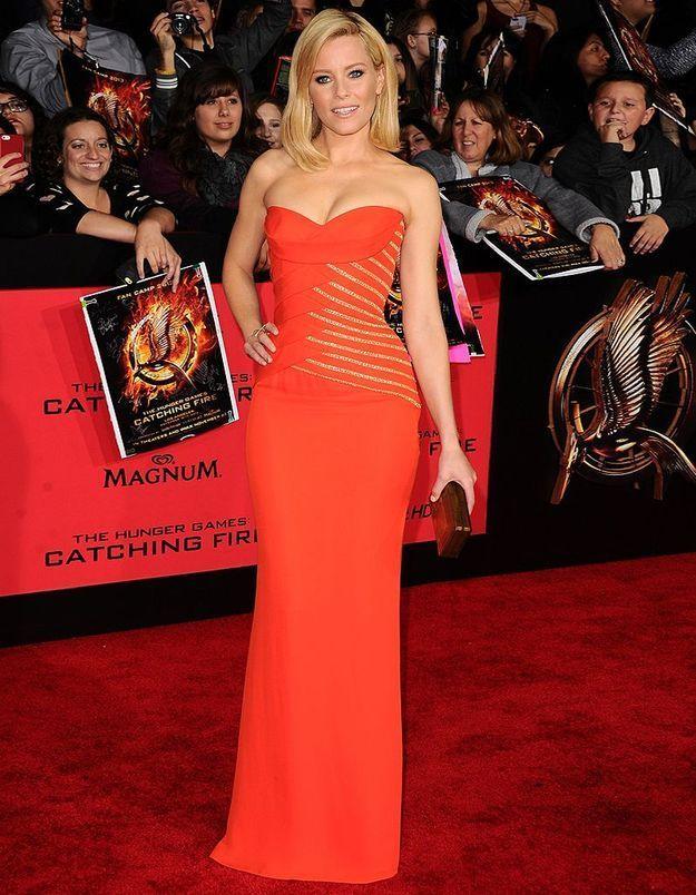 Le look du jour : Elizabeth Banks à la première de « Hunger Games : l'embrasement »