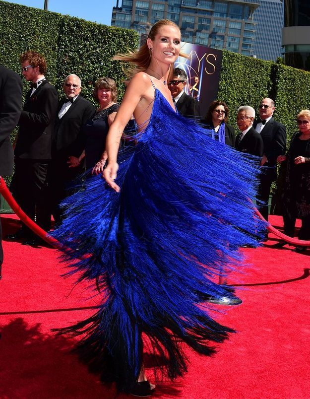 Le look du jour : Heidi Klum, une vraie star de tapis rouge, en robe Sean Kelly