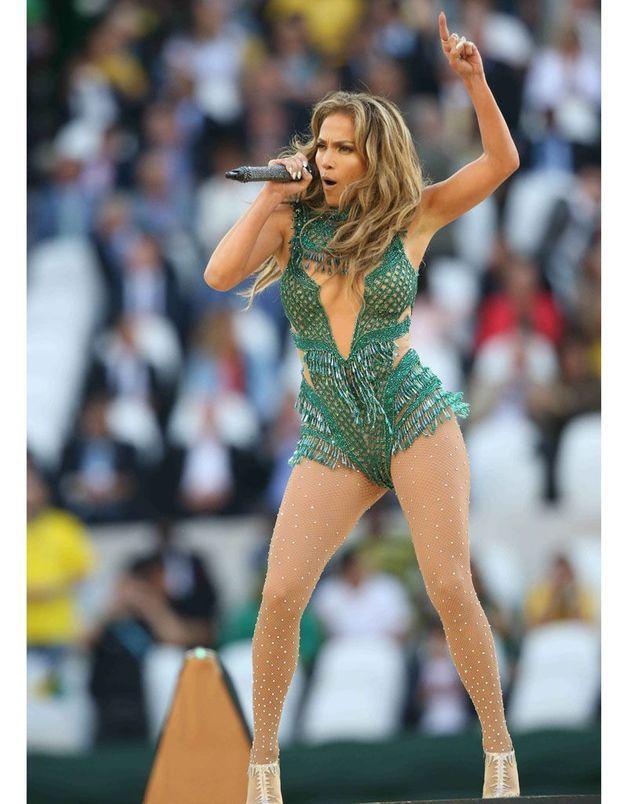 Le look du jour : Jennifer Lopez et son body à paillettes pour la Coupe du Monde 2014
