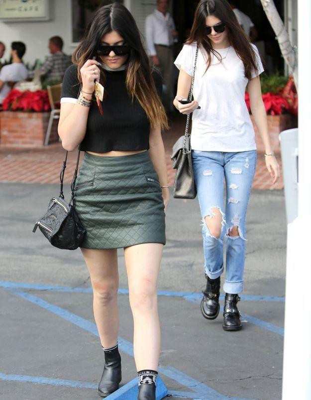 Le look du jour: Kylie et Kendall Jenner en plein shopping