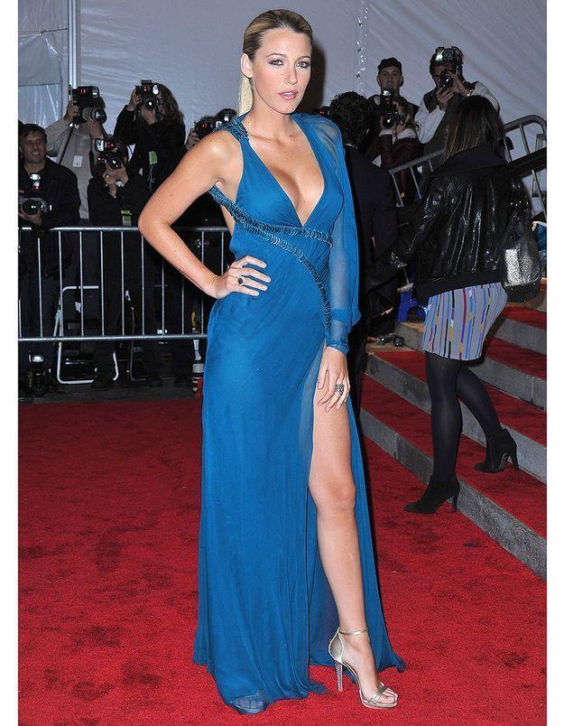 Au gala du Costume Institute de 2009, elle bluffe l'assistance en Versace.