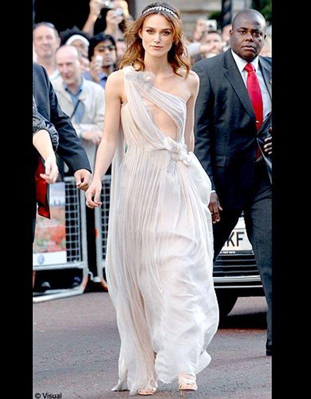 Aérienne en robe claire