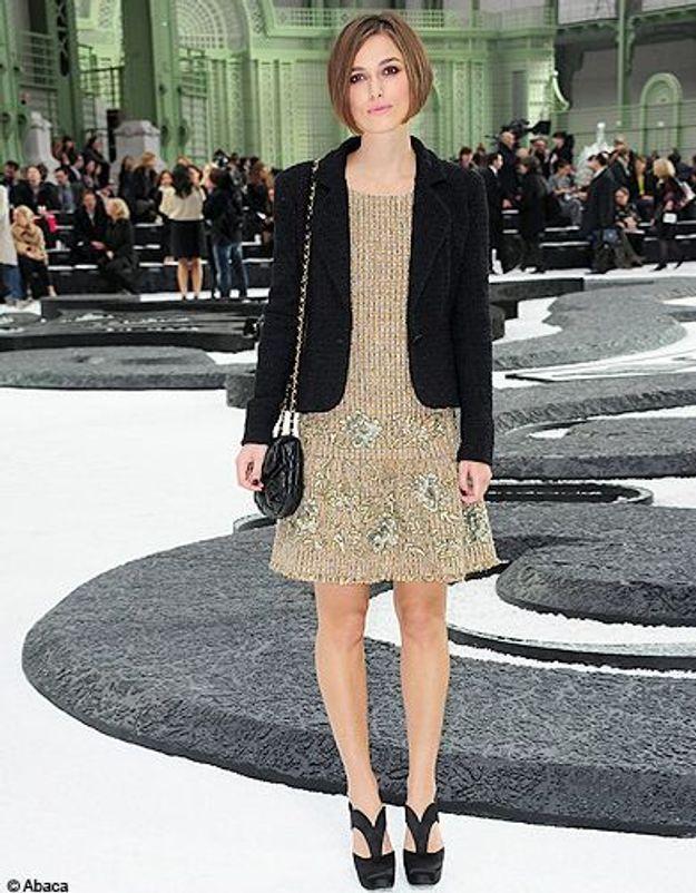 Robe en laine et veste en velour pour le défilé Chanel