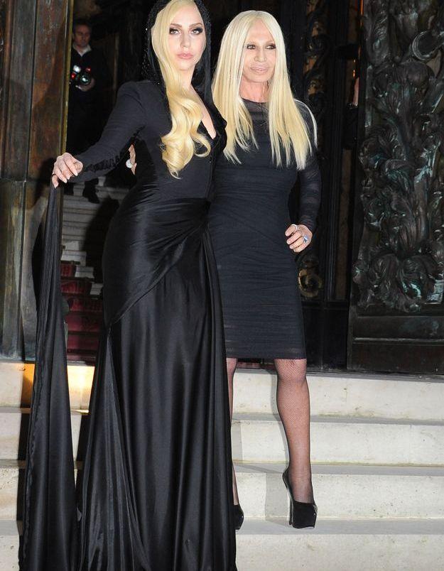 Lady Gaga et Donatella Versace au défilé Versace