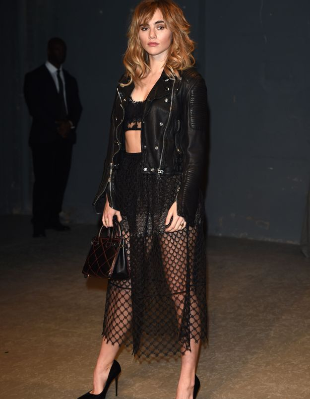 Suki Waterhouse au défilé Burberry